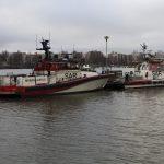 Pv Teemu Hiltunen odottelemassa lähtöä Lahdesta Kemiin ja Pv Teemu juuri saapunut uutena telakalta syksyllä 2013.